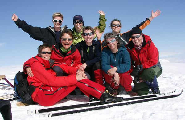 Foran: Eva Dagrun, Jofrid, Jorunn, Vigdis og Anita. Bak: Ida, Marianne og Linda