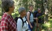 Hanne, Ragnhild, Siri og Turid - blide damer på skogstur. Foto: Rine G. Carlsen