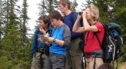 Vigdis, Nina, Eva Dagrun og Anniken i intens kartdiskusjon. Foto: Jorun Bye