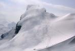 Bjørnbrean og den brede ryggen opp til Storebjørn (2222 moh). Ørene til Bjørnen