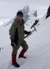 Jorun på tur opp mot Veslebjørn. Skeie i bakgrunnen. Foto: Inger Ohren