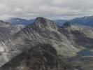 Utsikt fra Mjølkedalstind mot Rauddalseggje (store og midtre)