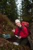 Nina har finni geocachen. Foto: Rine G. Carlsen