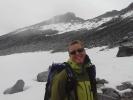 Marianne er grisefornøyd etter bestigning av Storjuvtinden, Norges 12.høyeste to