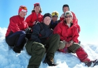 Seks fornøyde lesber på toppen av Store Smørstabtind (2208moh) (Foto: Siri Osvær