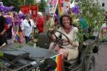 Linda med jeepen Jeepadrus. Foto: Siri Osvær