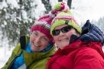 Toril og Kari - legg merke til jakke- og luevalget! (Foto: Rine G. Carlsen)