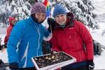 LTs grunnleggere, Rine og Nina, realiserer drømmen sin om å spandere konfekt på