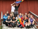 Alle de femten turdeltakerne på jubileumsturen. (Foto: Rine G. Carlsen)