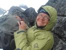 """Kristin """"soler seg"""" på toppen av Geita (Foto: Marianne Michelet)"""